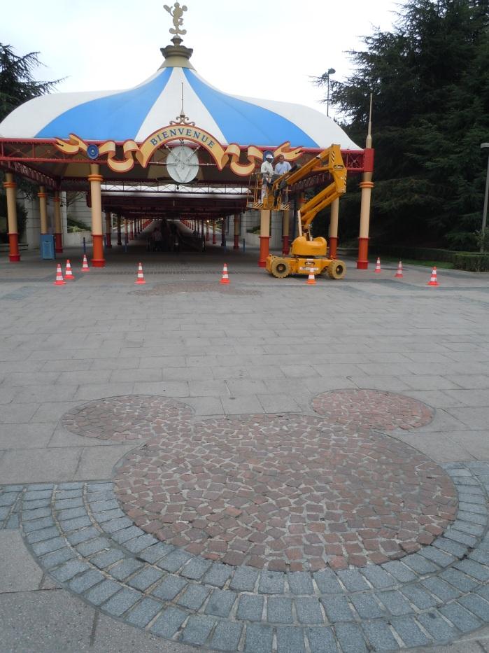 Mickey à terre