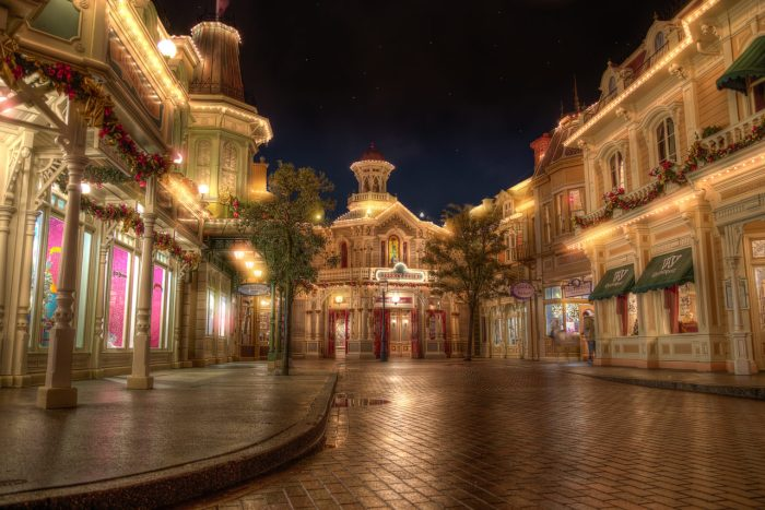 disneyland-park-paris-france-a-night-with-the-lady-1280x855
