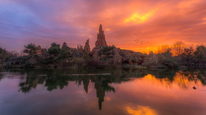 Disneyland-Park-Paris-France-World-of-colors-1280x720.jpg
