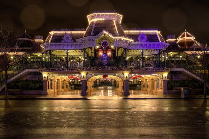 Disneyland-Park-Paris-France-Main-Street-USA-Station-1280x855
